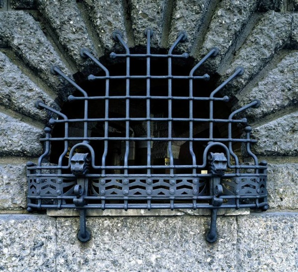 pencere korkuluk demiri